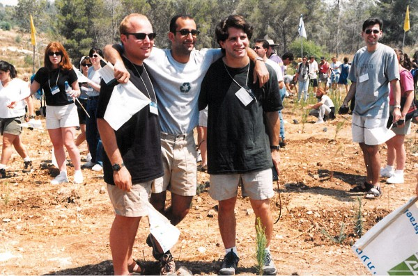 Federation CEO-in-the-making. Scott Kaufman (left) on a mission in July 1998.