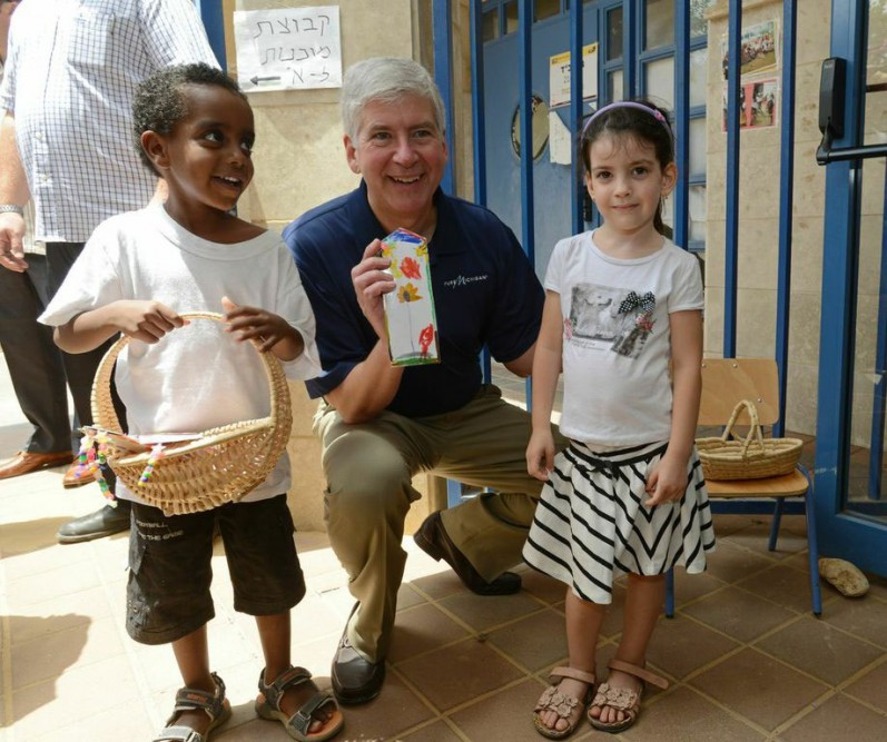 Governor Rick Snyder greets children in New Beginnings Program in Netanya, Israel