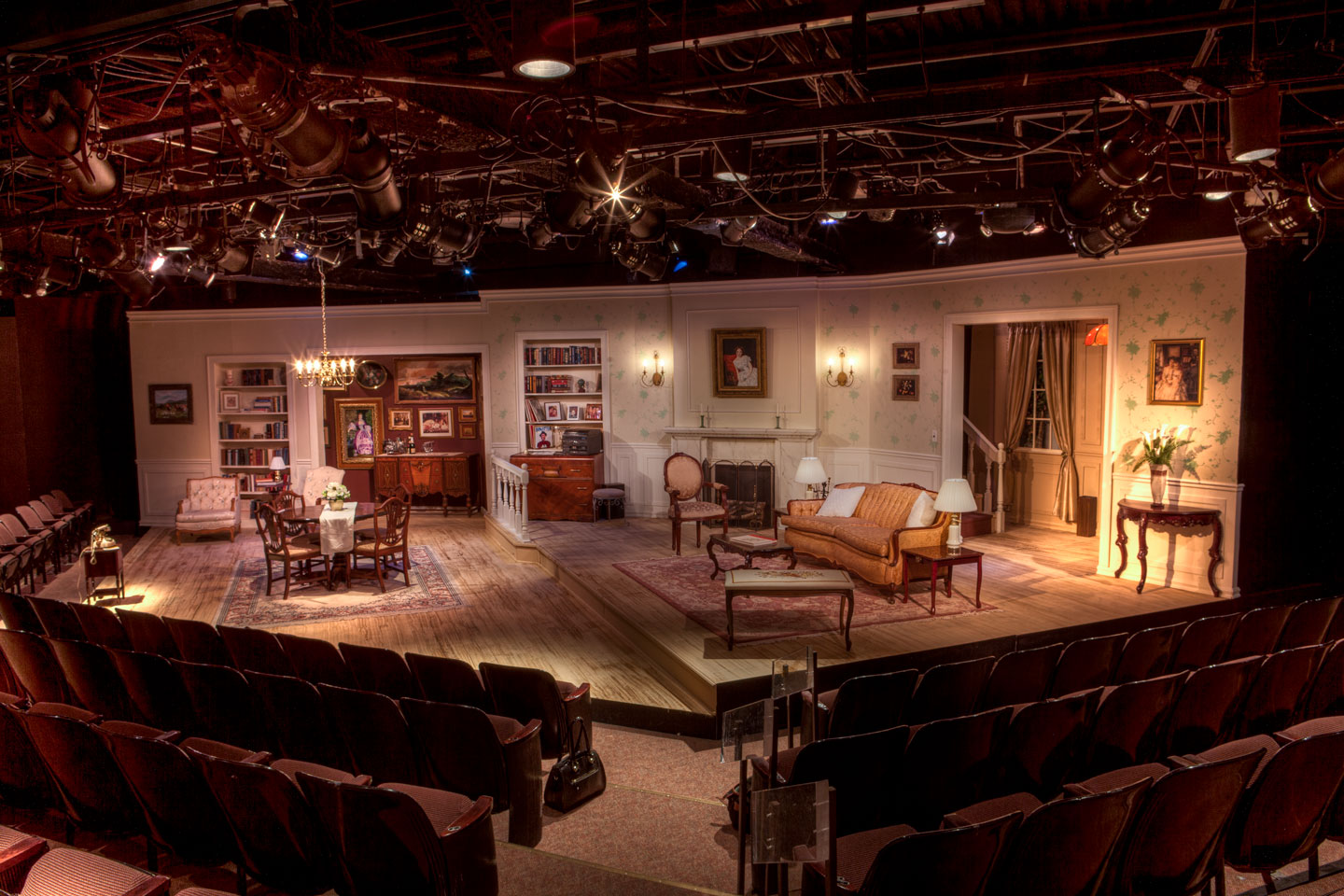 Jennifer Maiseloff's set for The Sisters Rosenzweig
